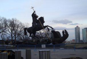 UN-statue